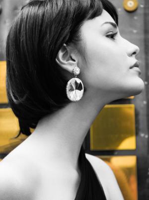 British Fashion Gold Earrings